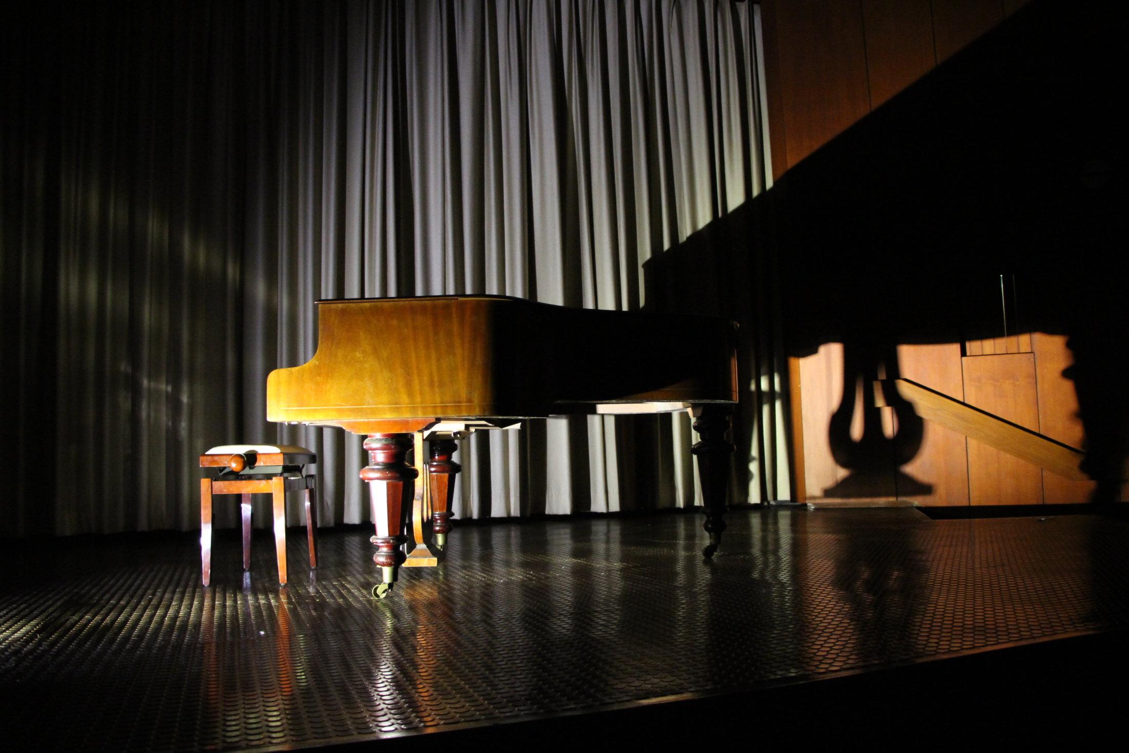 Konzertsaal Bühne Mitte