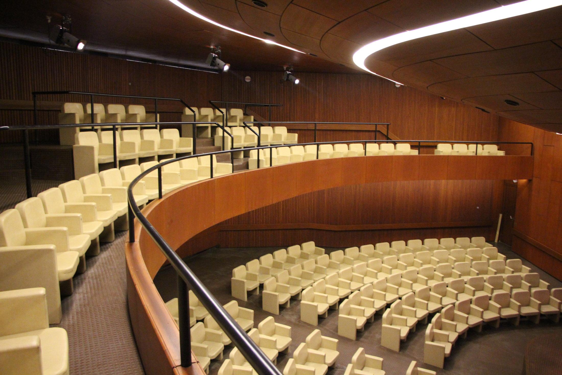 Konzertsaal Galerie rechts