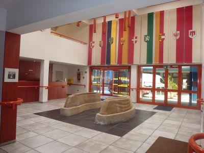 Die Lobby im ersten Wohnhaus